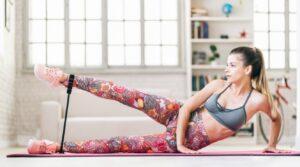 esercizi con elastico