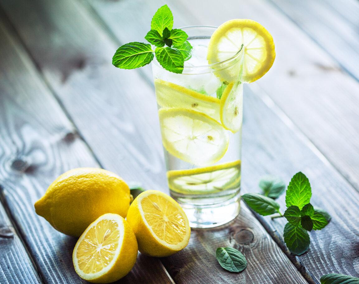Mantenersi idratati è importante, soprattutto in estate